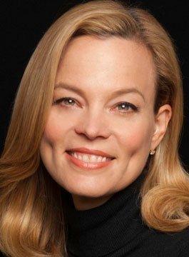 Julia Langkraehr - Entrepreneur and Partnerships Speaker